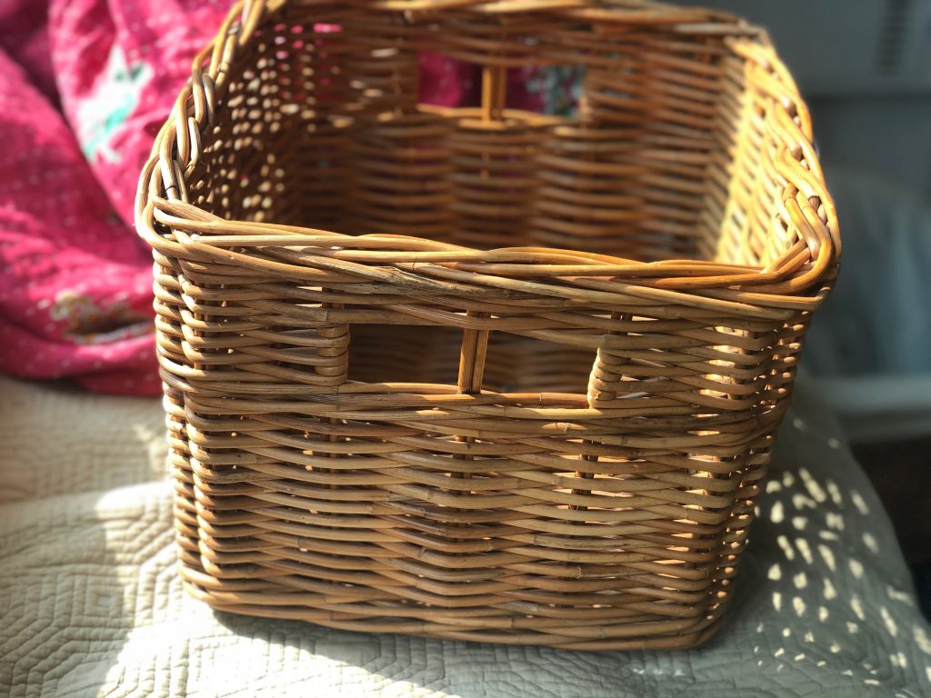 Thrifting haul, cute basket, vintage farmhouse